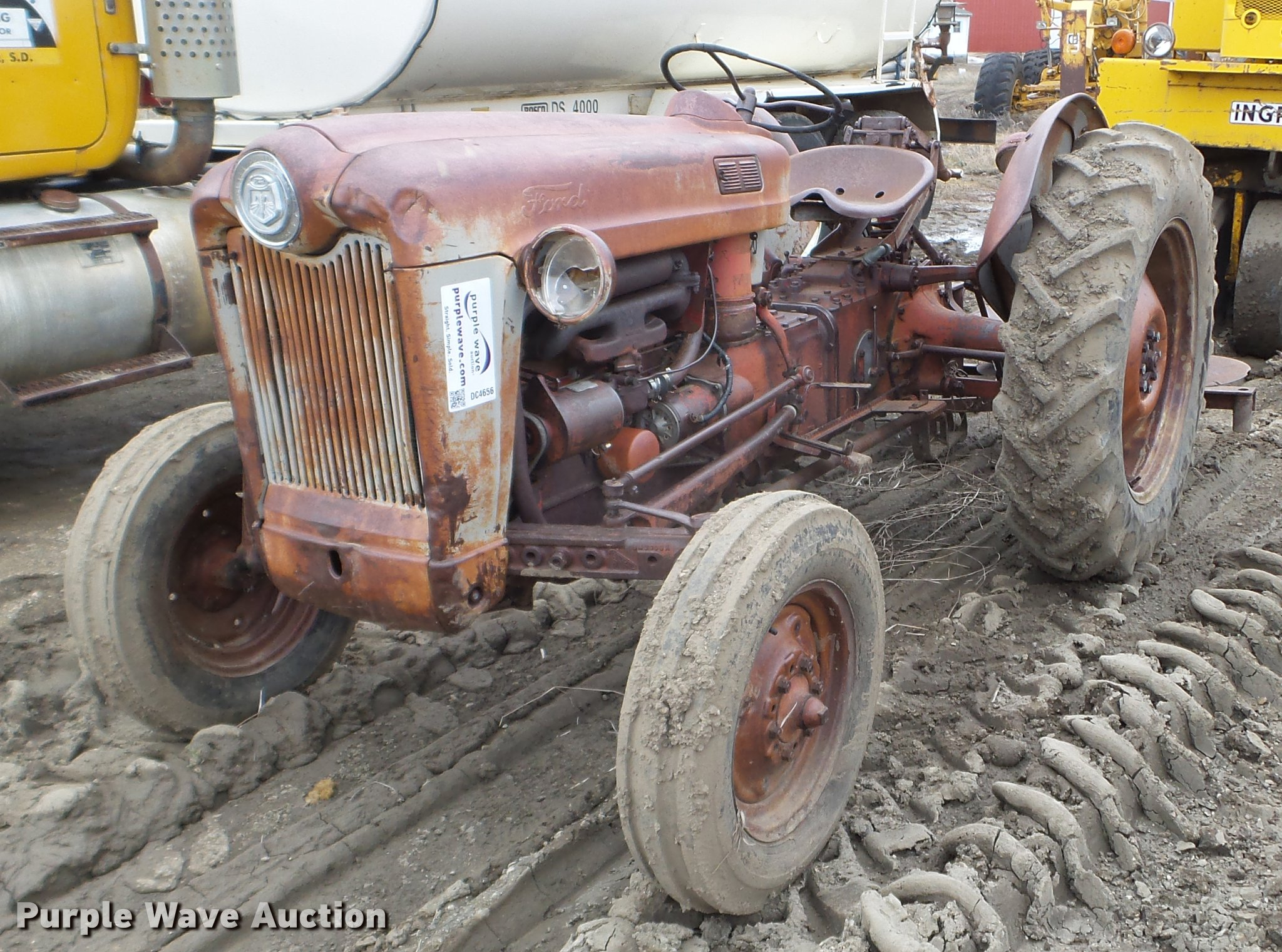 Ford Jubilee Tractor In Fort Pierre Sd Item Dc4656 Sold