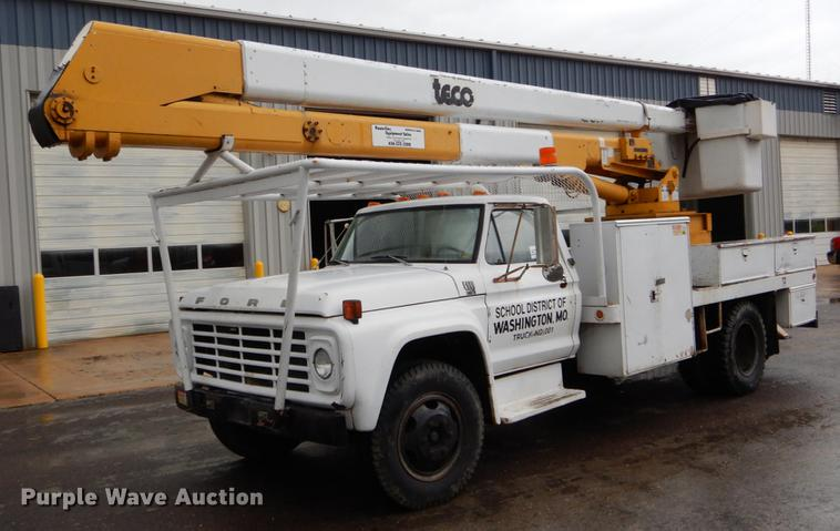 1977 Ford F600 bucket truck | Item DE8345 | Tuesday May 21 G