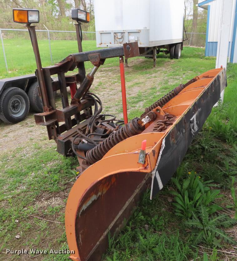 Henderson 10X42 snow plow | Item DE3416 | SOLD! May 23 Const