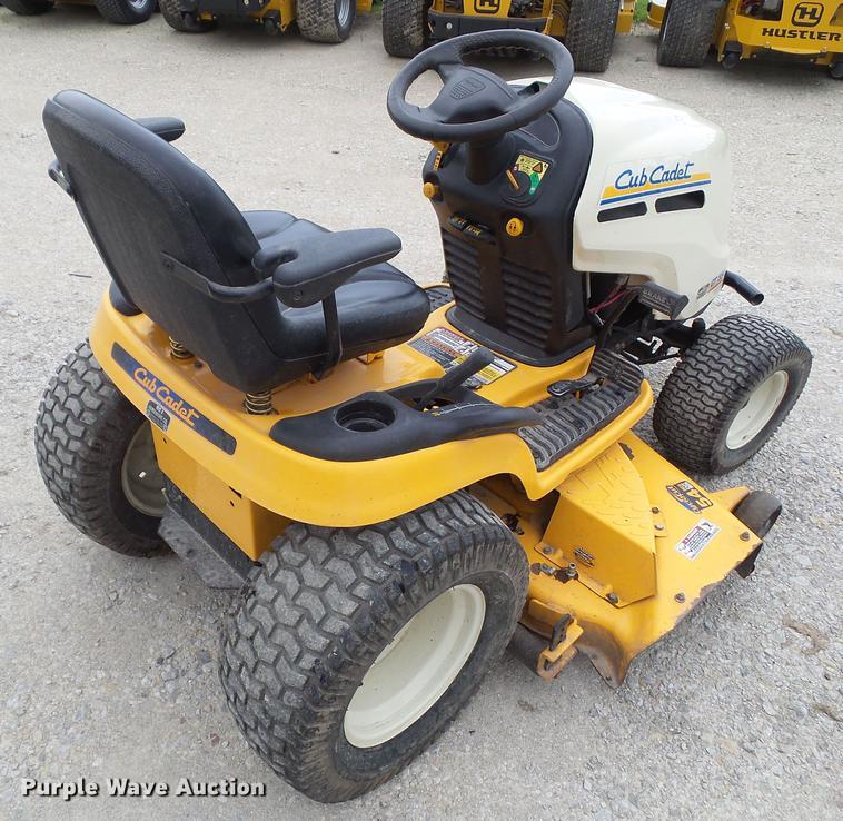 2008 Cub Cadet GT1554 lawn mower | Item EM9752 | Wednesday J