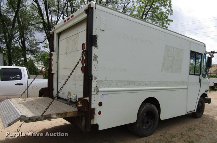 2002 Workhorse P4500 delivery truck | Item EU9660 | Wednesda