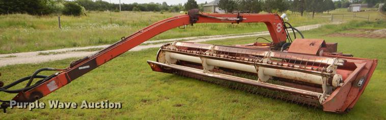 Hesston 1014 Hydroswing windrower | Item FT9524 | Wednesday