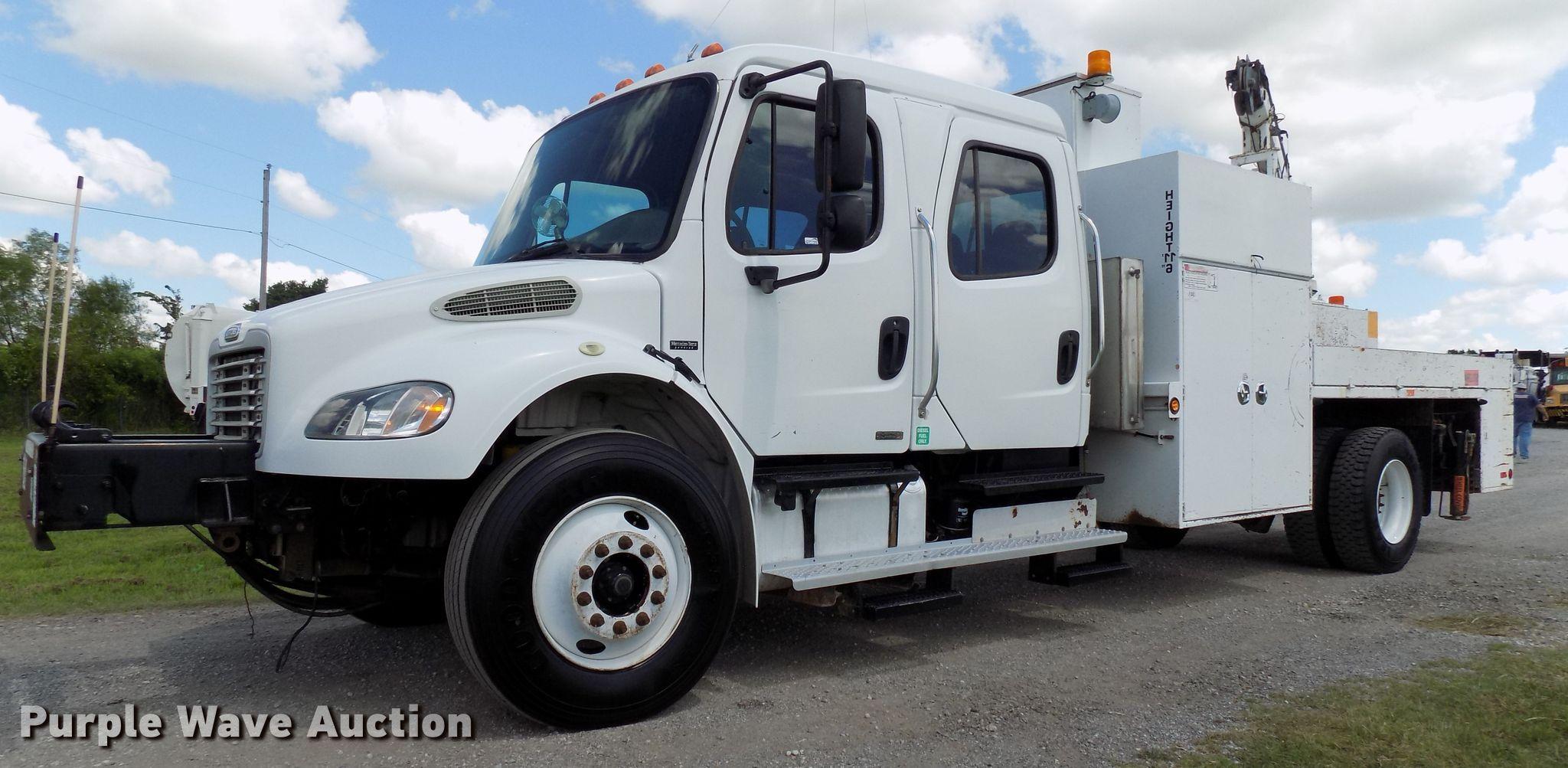 2007 Freightliner Business Class M2 service truck   Item FI9