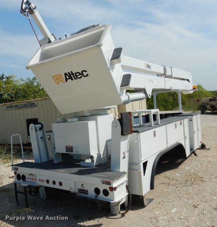 1999 Altec A77T bucket truck utility bed   Item DF2567   Thu
