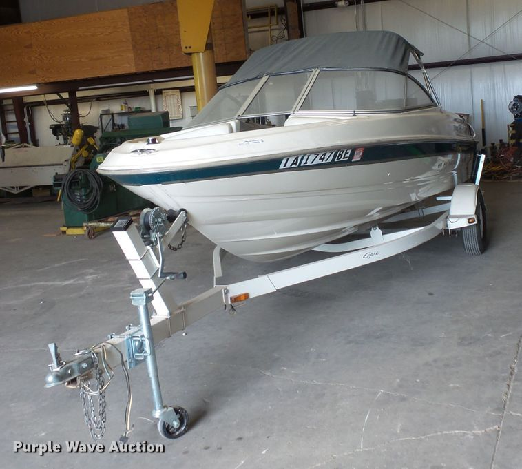 1999 Bayliner Capri boat | Item FM9620 | Thursday August 22
