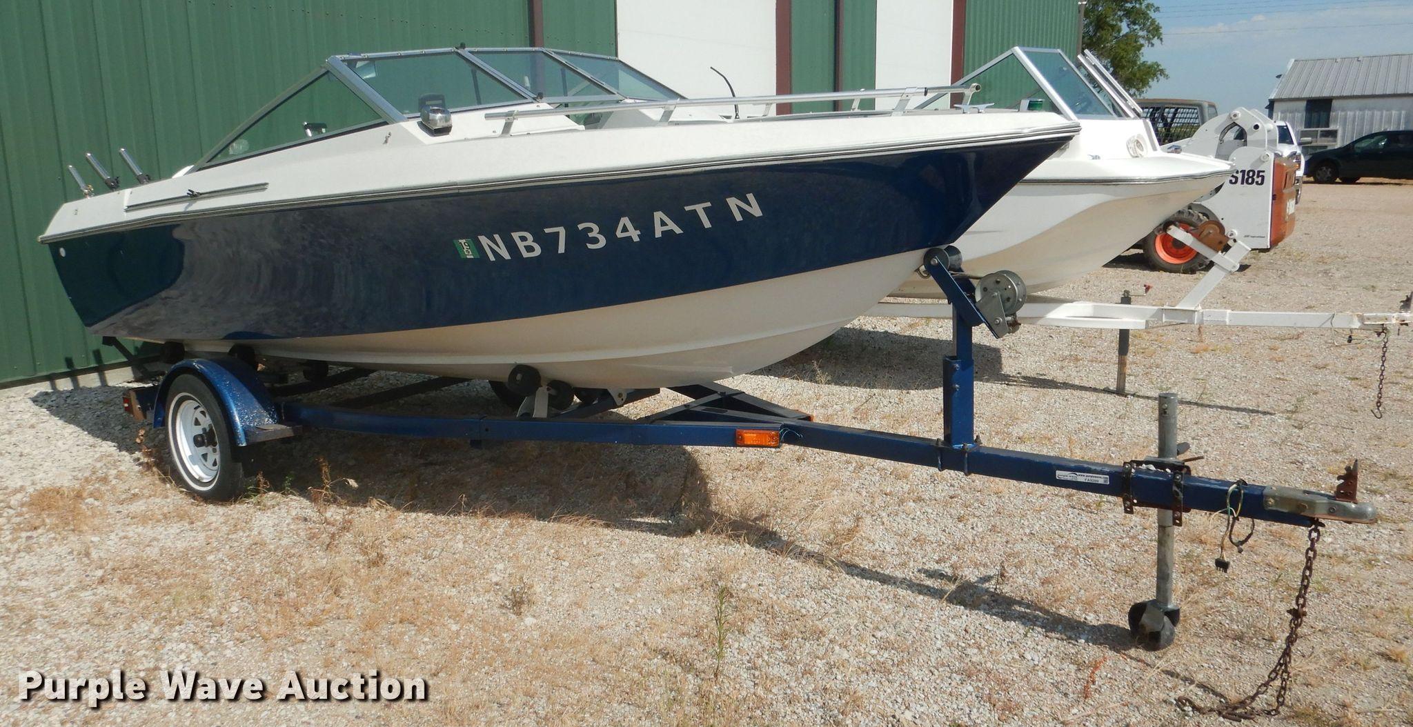 1975 Larson boat | Item FA9289 | Wednesday September 4 Vehic