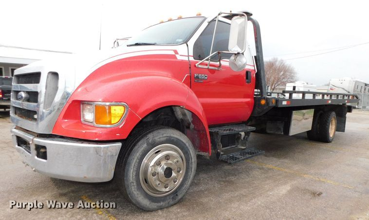 2004 Ford F650 Super Duty XLT