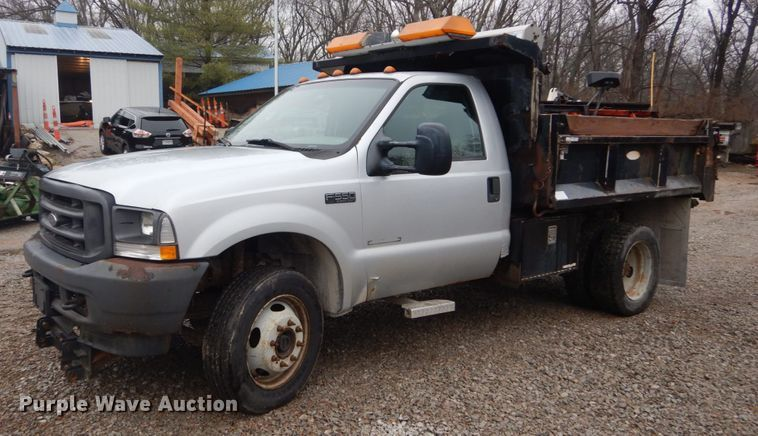 2003 Ford F550 Super Duty XL
