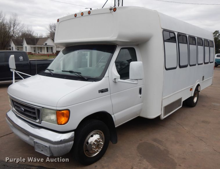 2004 Ford Econoline E-450 Super Duty
