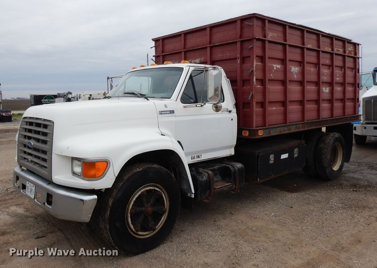 1995 Ford F700