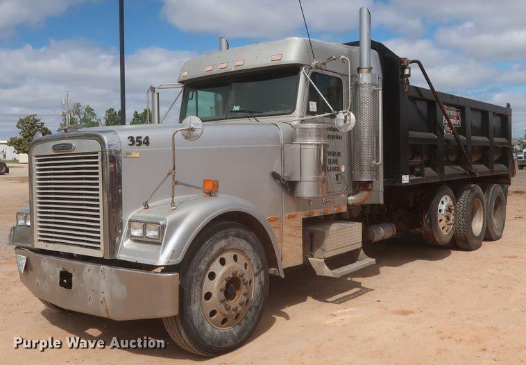 1999 Freightliner FLD 120