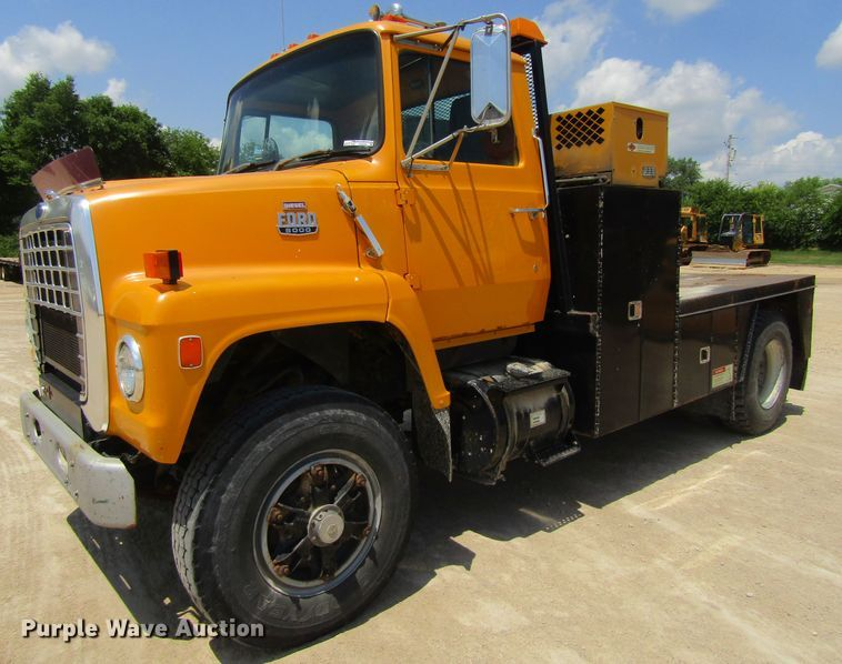 1986 Ford LN8000