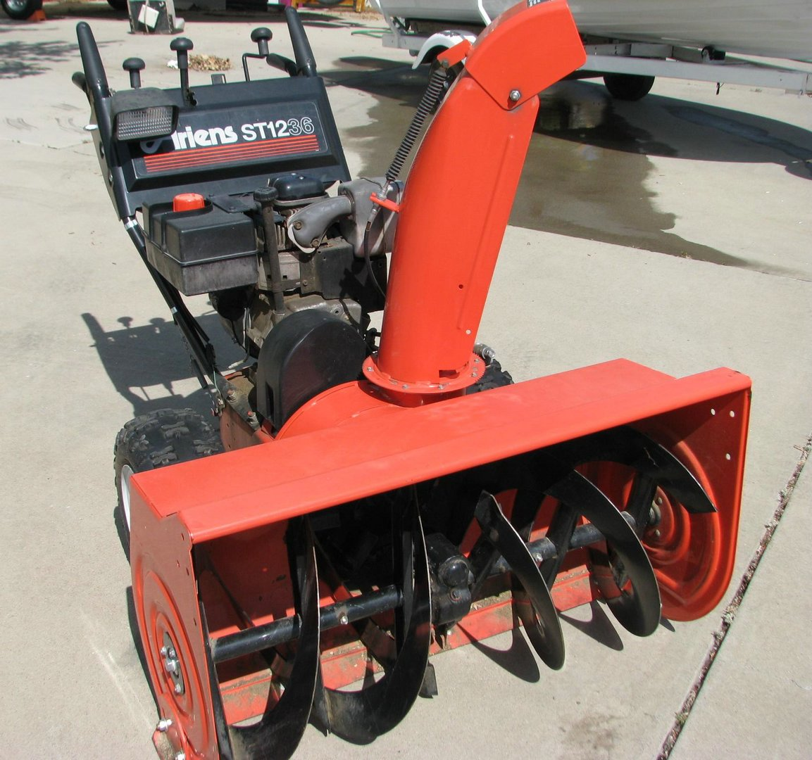"5051 image for item 5051 Ariens ST1236 36"" snow thrower"